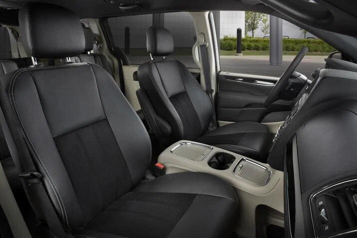 2017 Dodge Grand Caravan SXT, interior