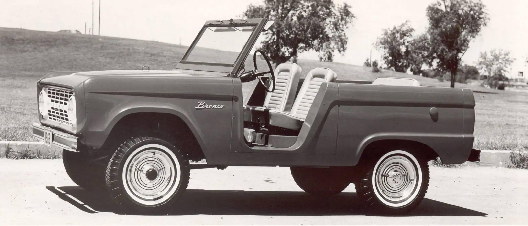 bronco-models-gen01-roadster
