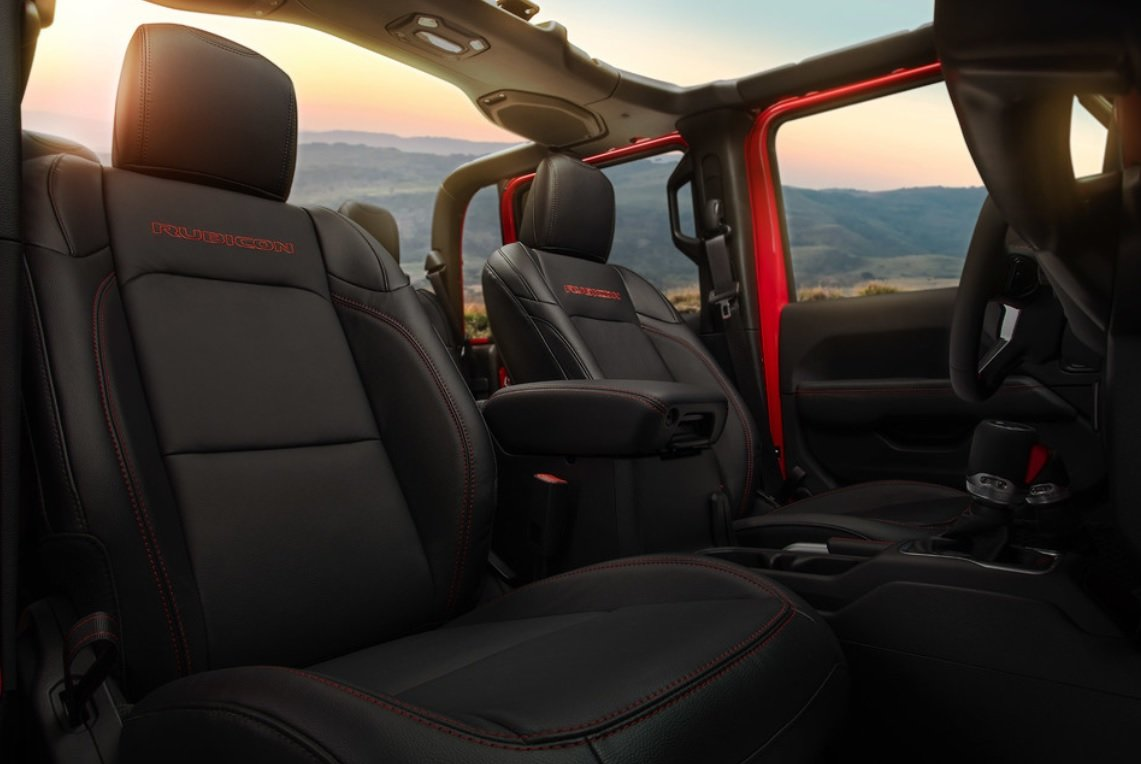 jeep gladiator Interior