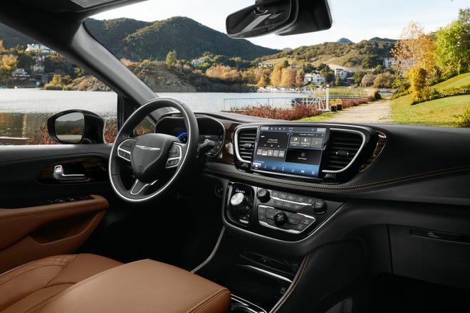 Chrysler Pacifica Pinnacle interior